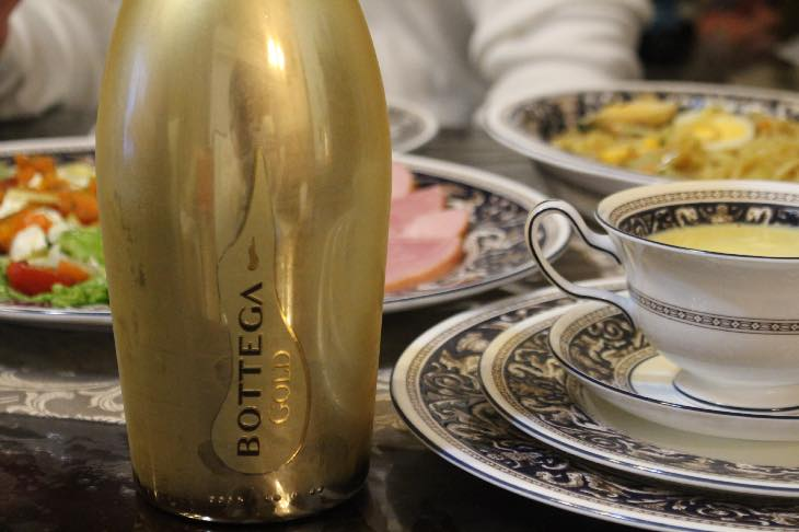 クリスマスイブはハイブランドワイン『ボッテガ ゴールド』で乾杯