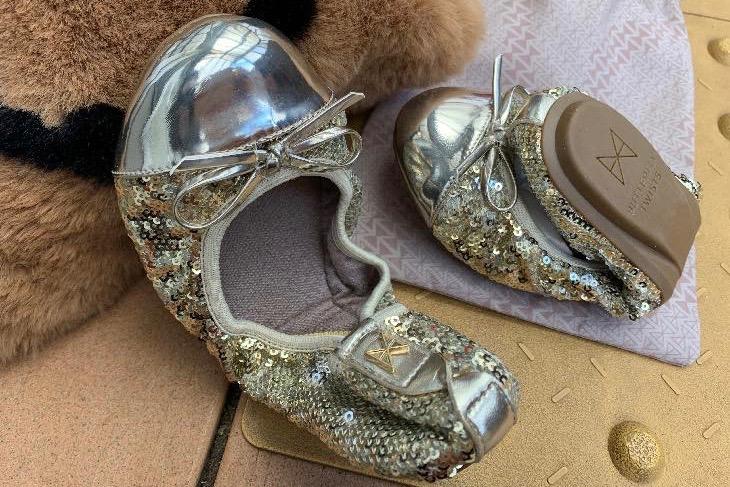 学校行事の室内靴もオシャレに『Butterfly Twists(バタフライツイスト)』