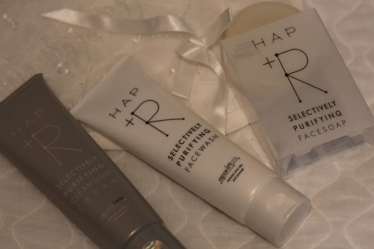 余分な皮脂を吸着「アパリン®」配合『HAP+R』(ハップアール)洗顔料でスッキリ!