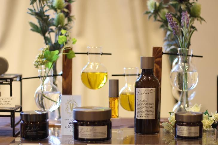 オイルイン美容で、年々増えてくる肌悩みを解決!年齢肌にオイルイン美容が最適な理由を教えます。
